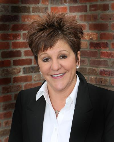 Lynn Harmes an Arvada - Olde Town Office Real Estate Agent