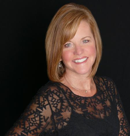 Jen Hall a Fort Collins South Office Real Estate Agent