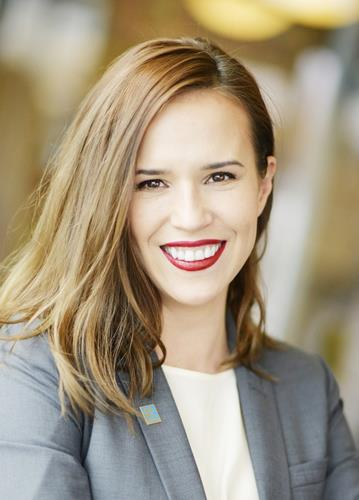 Kamila Bobrova a Boulder Office Real Estate Agent